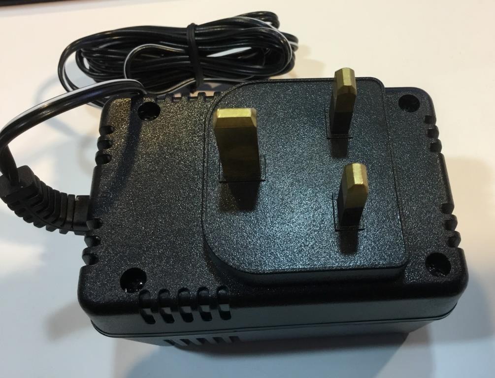 Power Supply   230V - 12VDC 1A  UK